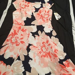 Dresses & Skirts - Brand new  summer dress. Free gift with purchase.